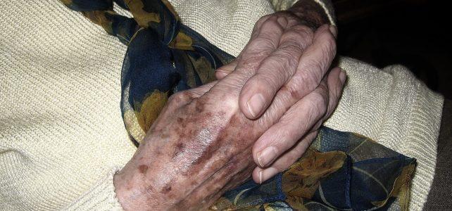Az idősebb nőket megvédi a szívbetegségektől, ha a hasuk helyett a combjukra híznak