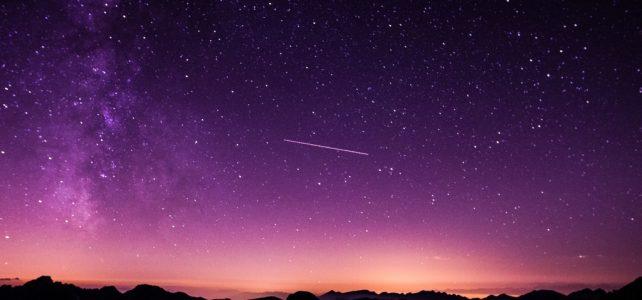 Csillagász: éjfél után érdemes a hullócsillagokat megfigyelni