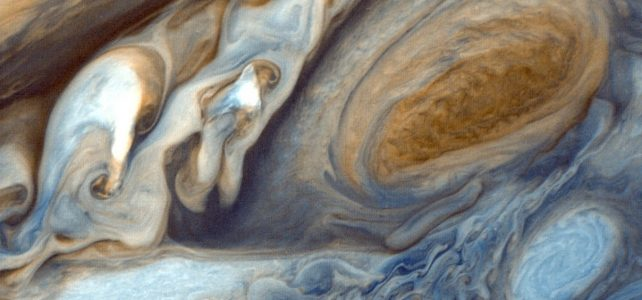 Különleges felvételt küldött a Jupiter Nagy Vörös Foltjáról a Hubble