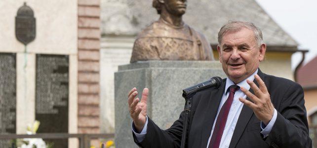 Szent Imre-szobrot avattak a Veszprém megyei Szentimrefalván
