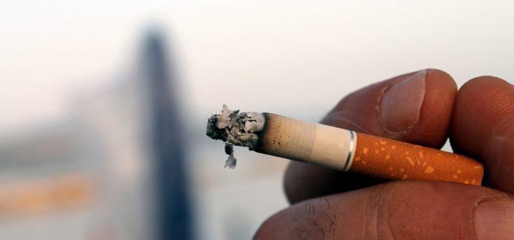 Nemhogy nem teszi biztonságosabbá a cigarettát, de növelheti is a tüdőrák kockázatát a füstszűrő