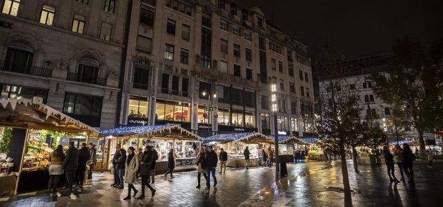Advent – A megújult Vörösmarty téren várja az érdeklődőket a Budapesti Téli Fesztivál és Vásár